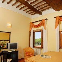 Отель Leon Bianco Италия, Сан-Джиминьяно - отзывы, цены и фото номеров - забронировать отель Leon Bianco онлайн удобства в номере