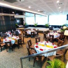 Hotel Royal Bangkok Chinatown гостиничный бар