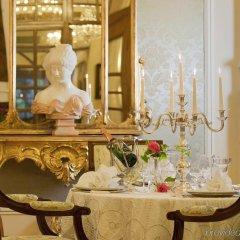 Отель Grand Hotel Trieste & Victoria Италия, Абано-Терме - 2 отзыва об отеле, цены и фото номеров - забронировать отель Grand Hotel Trieste & Victoria онлайн интерьер отеля фото 2