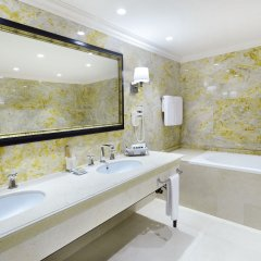 Ambassadori Hotel Tbilisi ванная