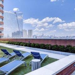 Отель M2 США, Джерси - отзывы, цены и фото номеров - забронировать отель M2 онлайн бассейн фото 2