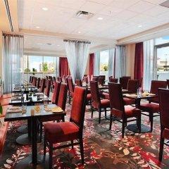 Отель Hilton Vancouver Metrotown Канада, Бурнаби - отзывы, цены и фото номеров - забронировать отель Hilton Vancouver Metrotown онлайн питание фото 3