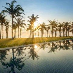 Отель Radisson Blu Resort Cam Ranh Вьетнам, Кам Лам - отзывы, цены и фото номеров - забронировать отель Radisson Blu Resort Cam Ranh онлайн бассейн