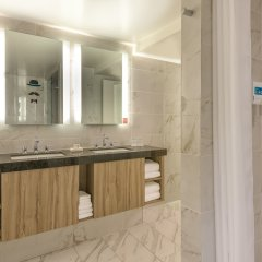 Отель The LINQ Hotel & Casino США, Лас-Вегас - 9 отзывов об отеле, цены и фото номеров - забронировать отель The LINQ Hotel & Casino онлайн ванная фото 2