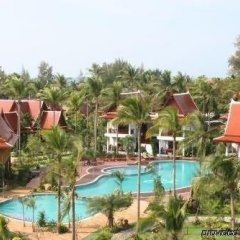 Отель Royal Lanta Resort & Spa бассейн фото 5