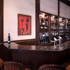 Apollo Hotel Bratislava гостиничный бар