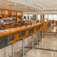 Hotel Port Alicante гостиничный бар