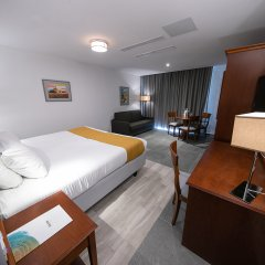 Solana Hotel & Spa Меллиха удобства в номере