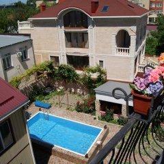 Гостиница Guest House Romanovykh Victoria в Анапе отзывы, цены и фото номеров - забронировать гостиницу Guest House Romanovykh Victoria онлайн Анапа балкон