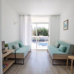 Отель Aparthotel CYE Holiday Centre Испания, Салоу - 4 отзыва об отеле, цены и фото номеров - забронировать отель Aparthotel CYE Holiday Centre онлайн комната для гостей фото 5