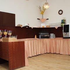 Отель Meran Чехия, Прага - 7 отзывов об отеле, цены и фото номеров - забронировать отель Meran онлайн интерьер отеля