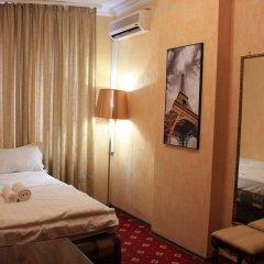Гостиница Мини-гостиница Вивьен в Москве 9 отзывов об отеле, цены и фото номеров - забронировать гостиницу Мини-гостиница Вивьен онлайн Москва комната для гостей фото 2