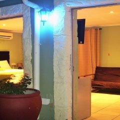 Отель Berry Bliss Guest House Габороне интерьер отеля