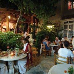 Kiniras Traditional Hotel & Restaurant питание фото 3