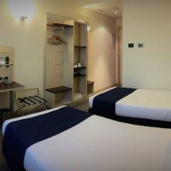 Отель Holiday Inn Express Parma Парма сейф в номере