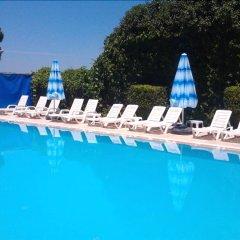 Kyme Hotel Турция, Дикили - отзывы, цены и фото номеров - забронировать отель Kyme Hotel онлайн бассейн