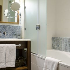 Отель Khortitsa Palace Запорожье ванная фото 2