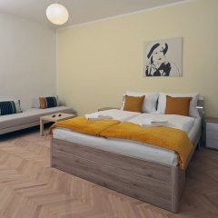 Апартаменты Smeralova Apartments комната для гостей фото 2