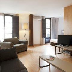 Апартаменты Aspasios Plaza Real Apartments комната для гостей фото 2