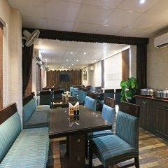 Отель OYO 9761 Hotel Clark Heights Индия, Нью-Дели - отзывы, цены и фото номеров - забронировать отель OYO 9761 Hotel Clark Heights онлайн питание