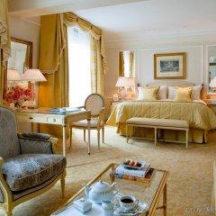 Отель Four Seasons George V Париж с домашними животными