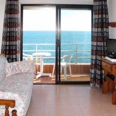 Отель Residenza La Scogliera (SLR231) Костарайнера комната для гостей