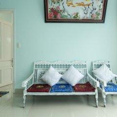Отель Quynh Long Homestay в номере