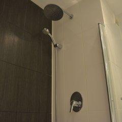 Отель New Brookfields Hotel Сьерра-Леоне, Фритаун - отзывы, цены и фото номеров - забронировать отель New Brookfields Hotel онлайн ванная
