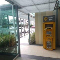 Отель Royal Princess Larn Luang банкомат