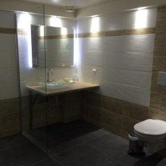 Отель Hôtel Little Regina ванная