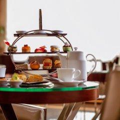 Отель Rosh Rayhaan by Rotana питание фото 2