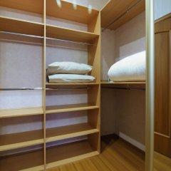 Апартаменты Holiday Expocenter Premium Apartment сейф в номере