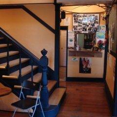 Отель C&N Backpackers Hostel Vancouver Канада, Ванкувер - отзывы, цены и фото номеров - забронировать отель C&N Backpackers Hostel Vancouver онлайн интерьер отеля