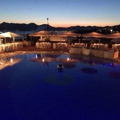 Отель La Isla Resort Понтеканьяно бассейн