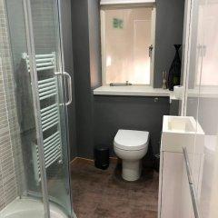 Отель 2 Bedroom Flat With Stunning Sea Views and Balcony Брайтон ванная