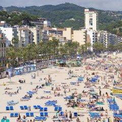 Отель Apartamentos Calafats Испания, Льорет-де-Мар - отзывы, цены и фото номеров - забронировать отель Apartamentos Calafats онлайн пляж фото 2