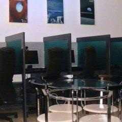 Отель Green Suites at Bel Air Soho Филиппины, Макати - отзывы, цены и фото номеров - забронировать отель Green Suites at Bel Air Soho онлайн бассейн