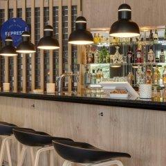 Отель Holiday Inn Express Köln-Mülheim Германия, Кёльн - 10 отзывов об отеле, цены и фото номеров - забронировать отель Holiday Inn Express Köln-Mülheim онлайн фото 2