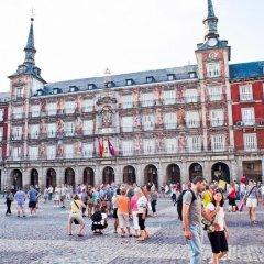 Отель Hostal La Casa de La Plaza спортивное сооружение