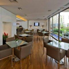 Отель Divan Istanbul City гостиничный бар