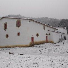 Отель Mas Can Puig de Fuirosos Сан-Селони спортивное сооружение