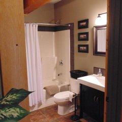 Отель Timberwolf Lodge-B&B ванная фото 2