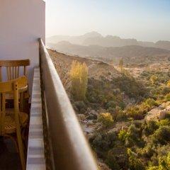 Отель Alanbat Hotel Иордания, Вади-Муса - отзывы, цены и фото номеров - забронировать отель Alanbat Hotel онлайн балкон