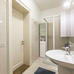 Отель Erbaria Boutique Apartment R&R Италия, Венеция - отзывы, цены и фото номеров - забронировать отель Erbaria Boutique Apartment R&R онлайн ванная фото 2