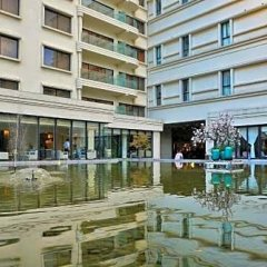 Metropolo Classiq Shanghai Jing'an Temple Hotel городской автобус