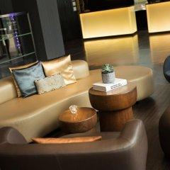 Renaissance Zurich Tower Hotel гостиничный бар