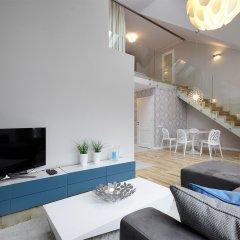 Апартаменты Dom & House - Apartments Waterlane комната для гостей фото 3