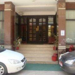 Отель Surya International Индия, Нью-Дели - отзывы, цены и фото номеров - забронировать отель Surya International онлайн парковка