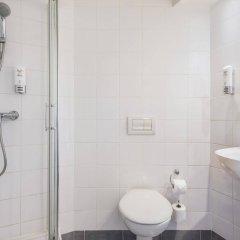 Отель Premiere Classe Wroclaw Centrum Польша, Вроцлав - 4 отзыва об отеле, цены и фото номеров - забронировать отель Premiere Classe Wroclaw Centrum онлайн ванная