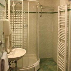 Отель Bellevue Чехия, Карловы Вары - отзывы, цены и фото номеров - забронировать отель Bellevue онлайн ванная фото 2